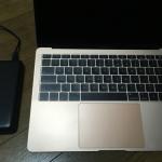 MacBook Air(2018)にモバイルバッテリー「Power Deluxe」を使ってみた